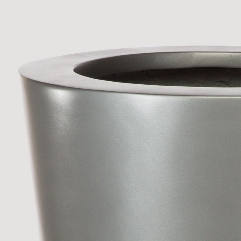 Fiberglass: Madrid Planter, Pewter