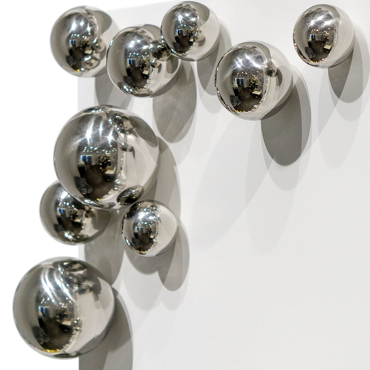 Wall Play™ Substrate White w/ Orb Stainless