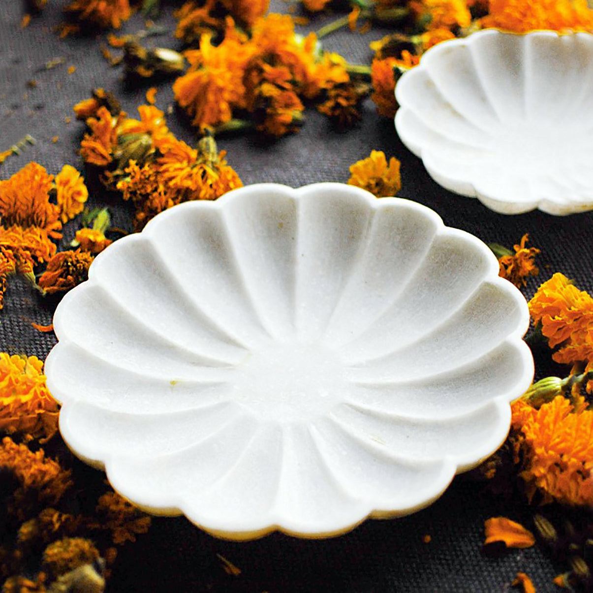 "Stone Marble Marigold 6""D Plate"