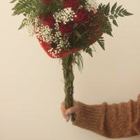 6 Red Roses in heart shaped nest