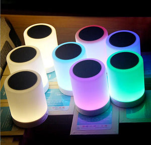 MULTIFUNKTIONEL TOUCH LAMPE OG BLUETOOTH HØJTTALER I ÉN