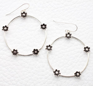 sterling hoop dangle earrings with daisy flowers