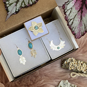 Turquoise Love Power / Gift Box made by Ivry Belle Jewelry