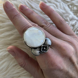 Lilac Moonstone Ring Made by Ivry Belle Jewelry / Lilac Moonstone Ring