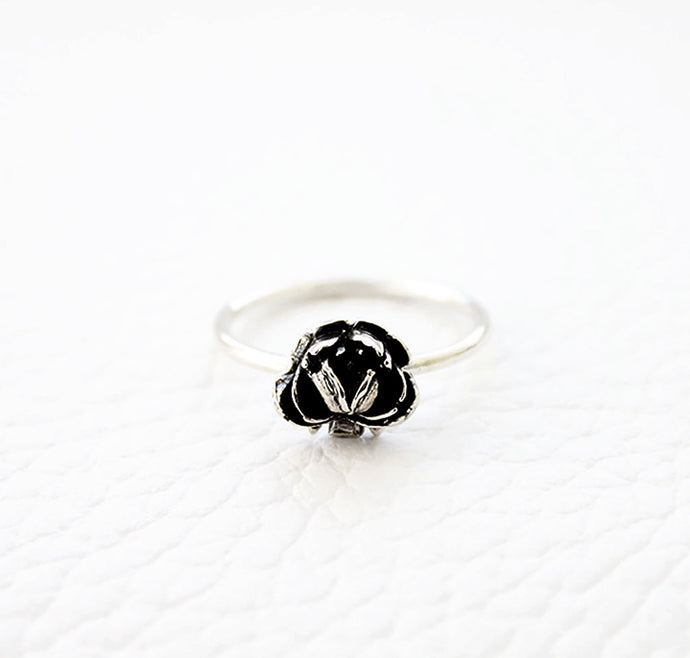 Rose Ring Made by Ivry Belle Jewelry / Rose Ring