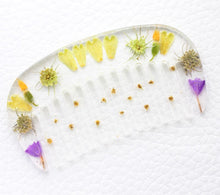 Load image into Gallery viewer, resin art hair comb with flowers