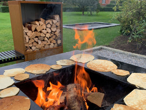 Bonfire grill CUBY Black 80 x 80 x 80 cm. - Delicious food over fire all year.