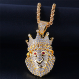 Collier pendentif lion or.