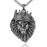 Collier tête de lion.