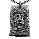 Collier lion homme.