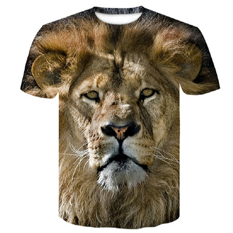 T-shirt lion en couleurs.