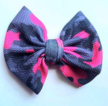 Load image into Gallery viewer, Pink Camo Bow