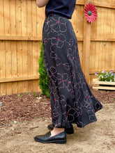 Load image into Gallery viewer, Vintage Valerie 100% Silk Midi Skirt Size 4