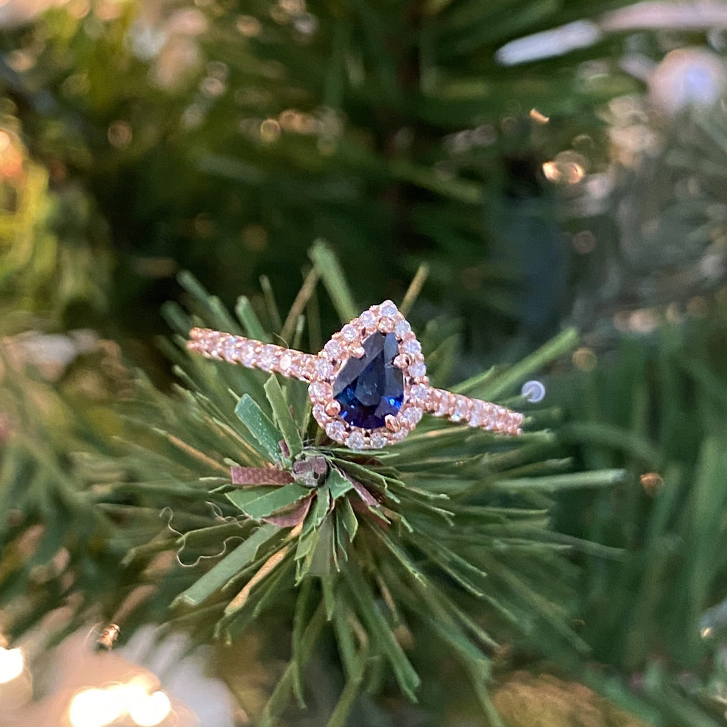 Pear Blue Sapphire & Diamond Ring set in Rose Gold