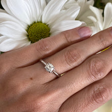 Load image into Gallery viewer, Round diamond solitaire engagement ring