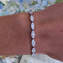 Load image into Gallery viewer, White Gold Ribbon Style Diamond Bracelet