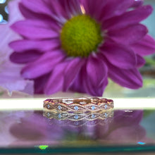 Load image into Gallery viewer, Rose Gold Diamond Twist Band