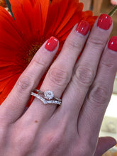 Load image into Gallery viewer, Chevron Baguette & Round Diamond Band