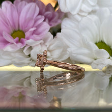 Load image into Gallery viewer, Morganite & Diamond Round Rose Gold Ring