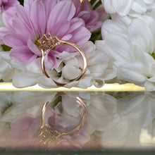 Load image into Gallery viewer, Oval Morganite Vintage Style Rose Gold Ring