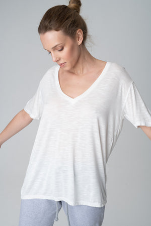 Basic V-neck Viskose Top - Les Goodies