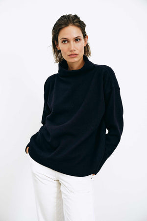 Luna Navy Sweater - LesGoodies