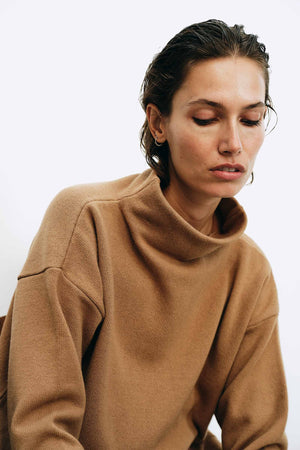 Luna Camel Sweater - LesGoodies
