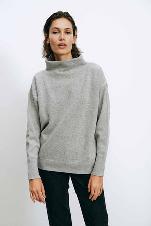 Luna Grey Sweater - LesGoodies