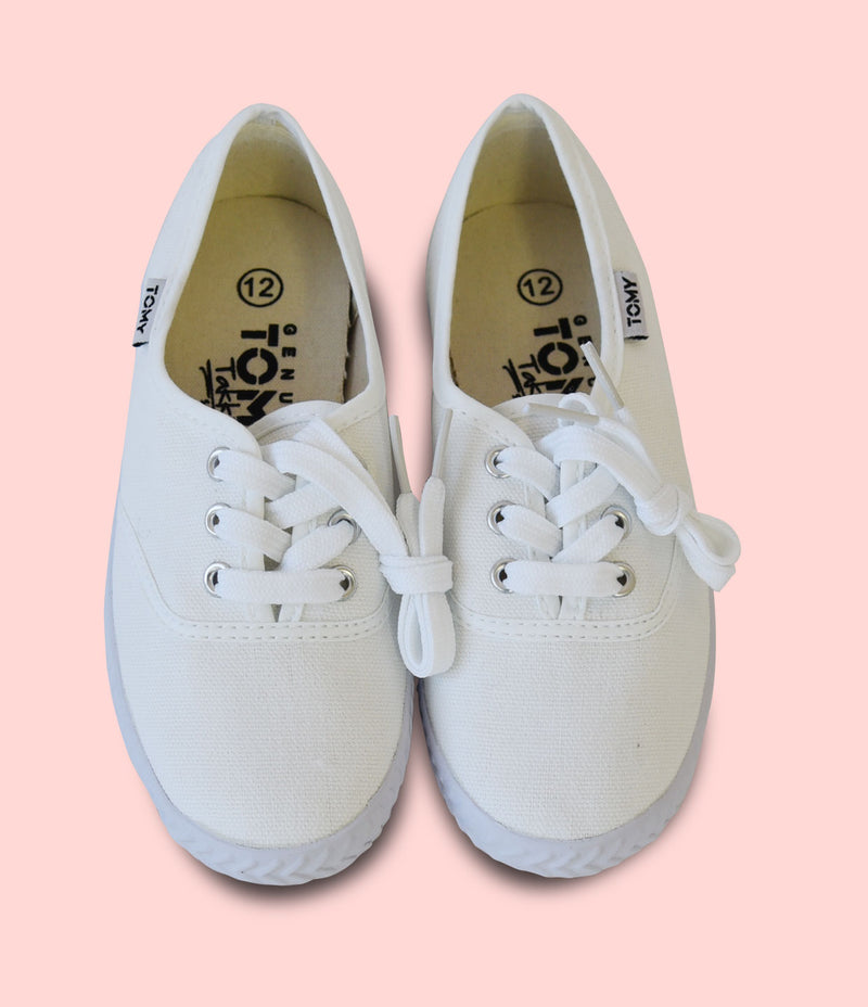 White Tommy Takkies