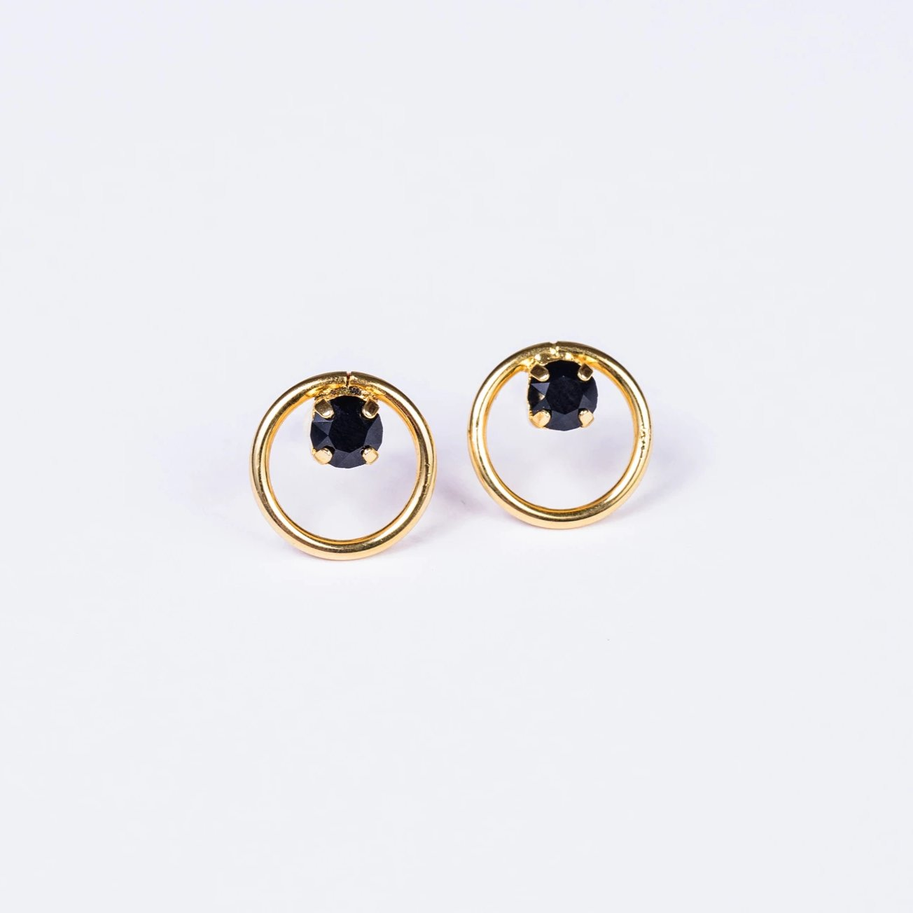 Loop Earring in gold tone - ViaRothstein