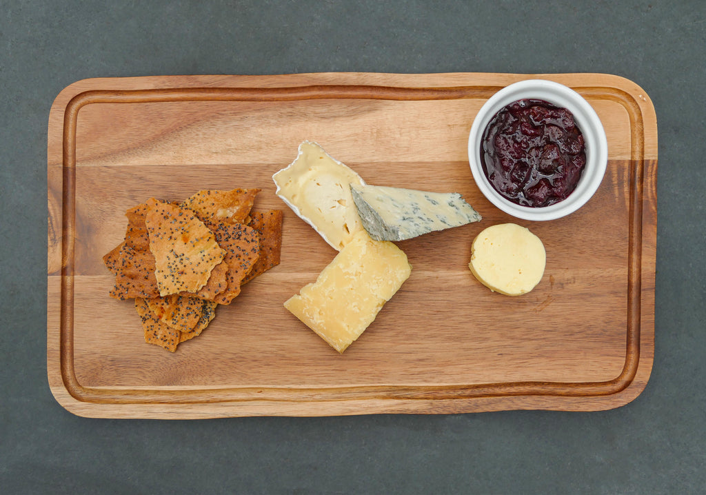 Neaum x The Courtyard Dairy Cheese Board - Three cheeses, Poppy seed crackers and Neaum Caramelised Red Onion Chutney