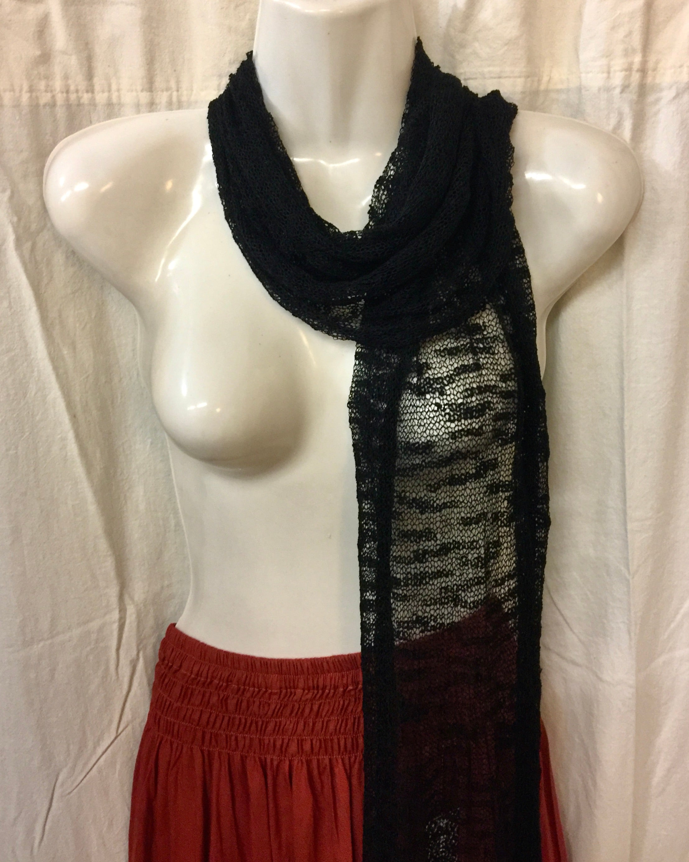 Scarf - Go Plain in Black