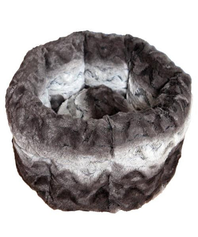 Rosewood Grey & Cream Snuggle Plush Round Pet Bed - Pet Mall
