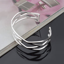 Load image into Gallery viewer, women's silver bangle