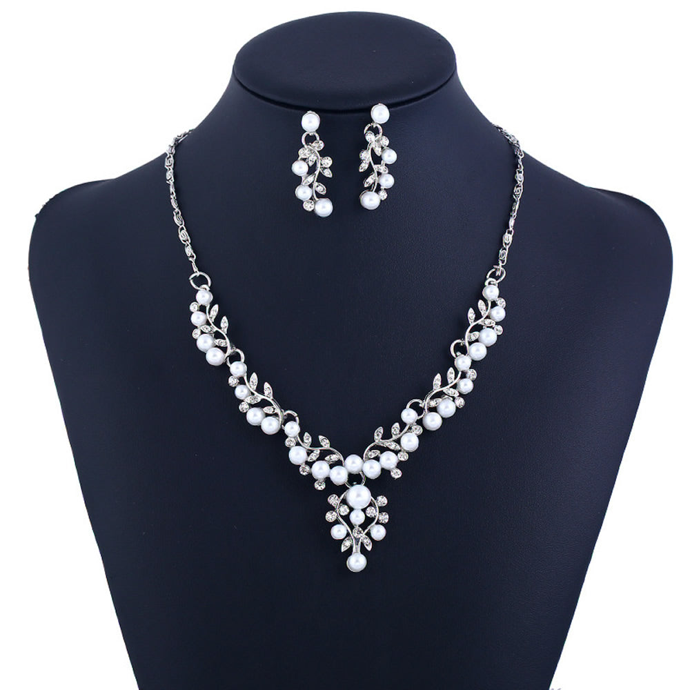 Pearl and Clear Crystal Diamante Necklace and Earrings Set