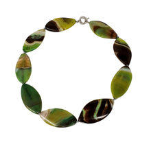 Load image into Gallery viewer, Chunky Green necklace for women