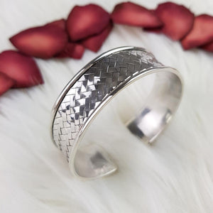 Sterling Silver Woven Details Bangle
