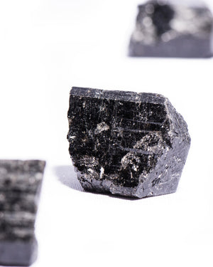 Load image into Gallery viewer, black-tourmaline-raw