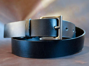 Our Men's Black Dress Belt is made from full grain bridle leather.  It's the perfect ensemble for any special occasion.   Once you own a full grain leather belt, you will never go back.  Handmade in Austin, Texas!