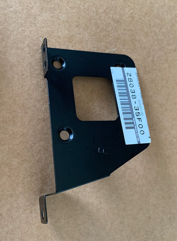 89-94 Nissan 240sx Radio Right Bracket 28038-35F00
