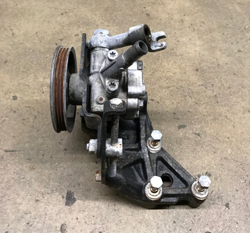 JDM Nissan 240sx Silvia S14 S15 Power Steering Pump & Bracket with Tensioner SR20DET