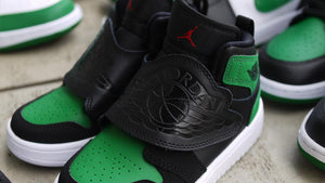 NIKE SKY JORDAN 1 PS BLACK/BLACK/PINE GREEN/GYM RED  8