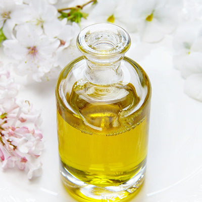What is the difference between fragrance oils and essential oils?