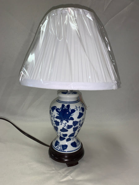 Small Blue & White Ginger Jar Lamp Ivy Print