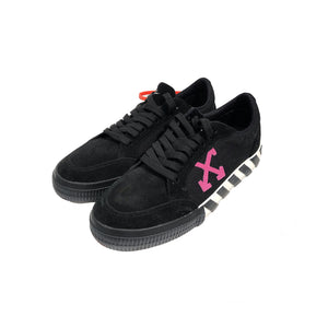 【Off-White】LOW VULCANIZED BLACK FUCHSIA