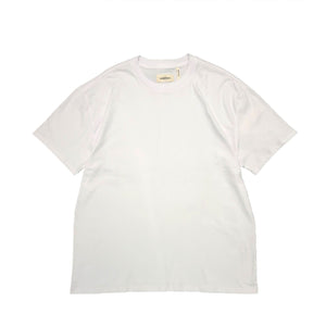 【FOG ESSENTIALS】FOG BOXY GRAPHIC SS TEE BRIGHT WHITE