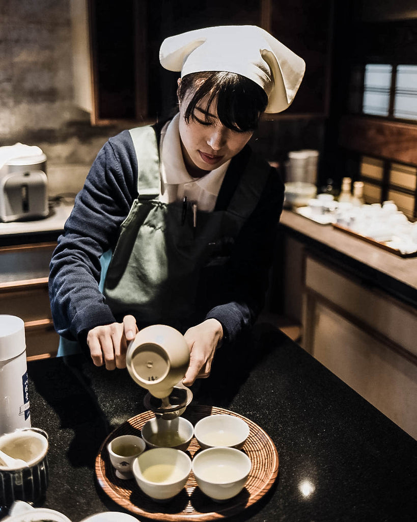 Making matcha at Ippodo tea house in Kyoto