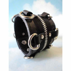 View Image of Leather-zipper-bracelet_RYF9XSM3ZNPX.JPG