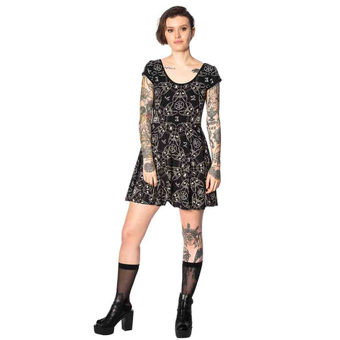 Teen-goth-cat-dress-1_SF93CE0EK3OJ.jpg