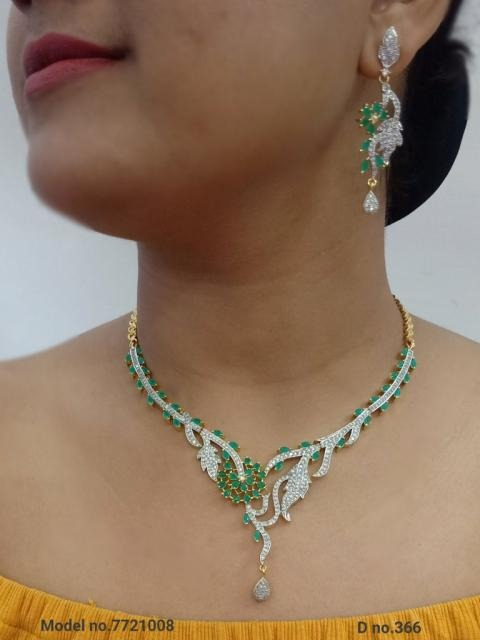 Green Stone Classic Necklace